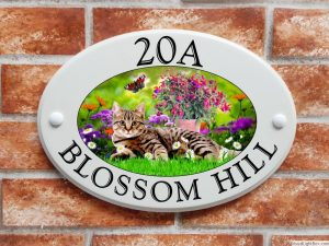 Tabby cat house plaque