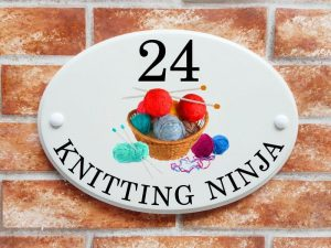 Knitting yarn house plaque