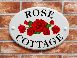 Rose Cottage house plaque with red roses